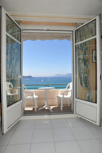 Cannes Rentals, rental apartments and houses in Cannes, France, copyrights John and John Real Estate, picture Ref 062-03