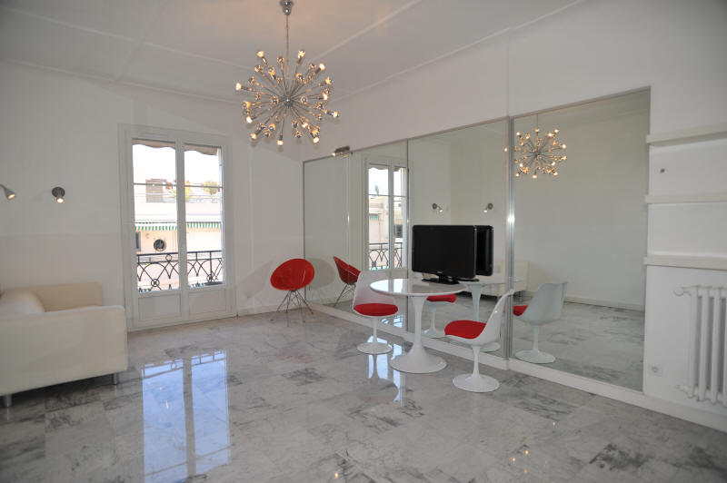 Cannes Rentals, rental apartments and houses in Cannes, France, copyrights John and John Real Estate, picture Ref 108-05