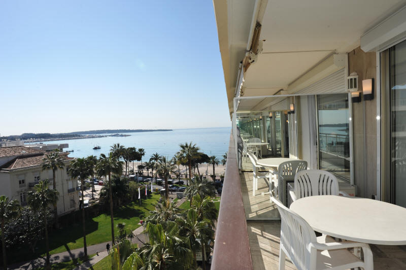 Cannes Rentals, rental apartments and houses in Cannes, France, copyrights John and John Real Estate, picture Ref 134-02