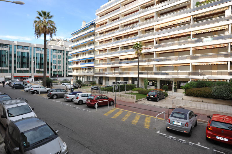Cannes Rentals, rental apartments and houses in Cannes, France, copyrights John and John Real Estate, picture Ref 282-07