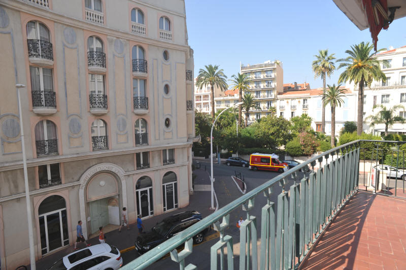 Cannes Rentals, rental apartments and houses in Cannes, France, copyrights John and John Real Estate, picture Ref 284-09